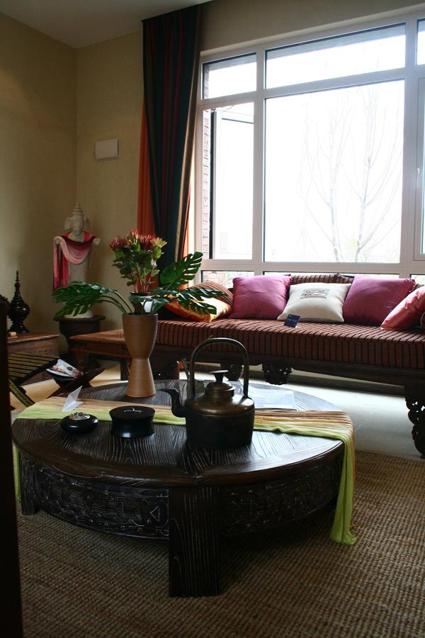 南亚风格别墅设计-客厅一角实景效果图