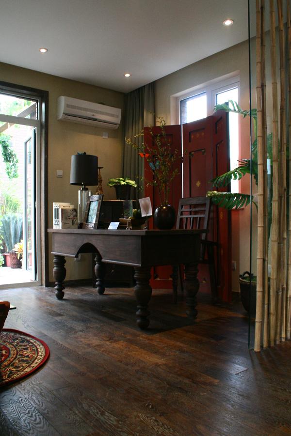 南亚风格别墅设计-书房实景效果图