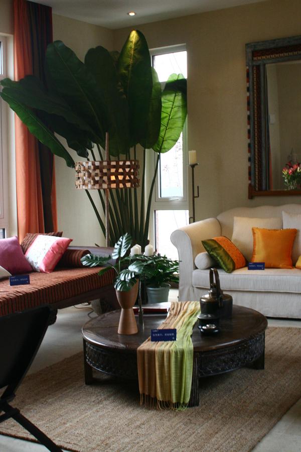 南亚风格别墅设计-起居室实景效果图