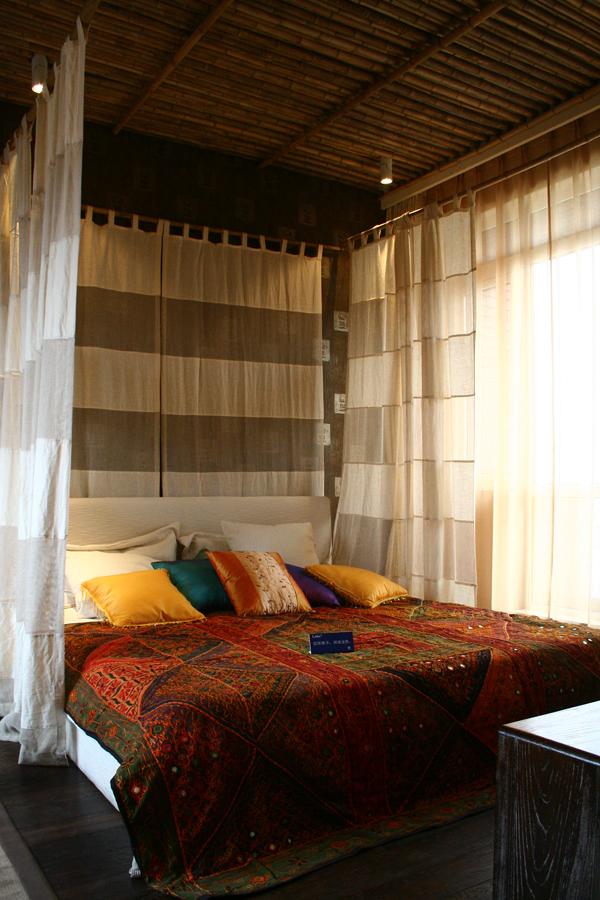南亚风格别墅设计-卧室实景效果图